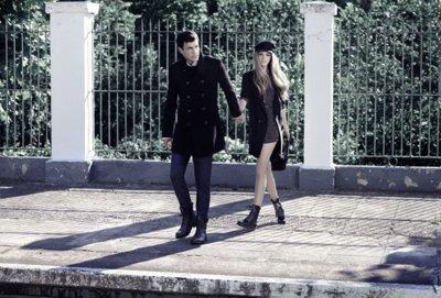 Mustang, nuevas fotos campaña con Mario Casas y Laura Hayden: el invierno más cálido