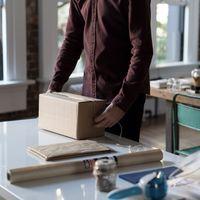 El último método para infiltrarse en una red informática no usa técnicas complicadas: paquetes físicos que llegan a casa