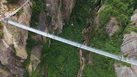 Worlds Longest Glass Bridge Shiniuzhai Geopark China 05