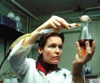 Razones por las cuales las mujeres dejan la ciencia