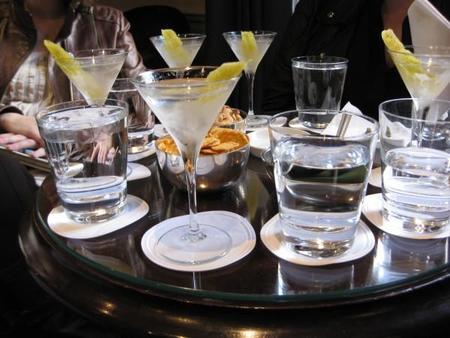 """""""Agitado, no revuelto"""". El martini del Jubileo en el Dukes Bar de Londres"""