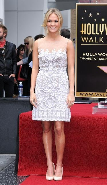 carrie underwood vestido blanco