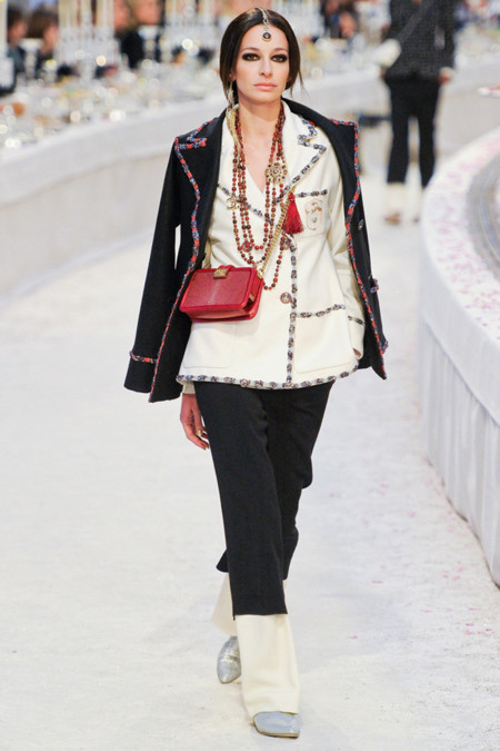 amanda sanchez chanel pre-fall 2012