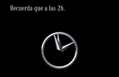 Mercedes nos recuerda el cambio de hora de esta forma tan original