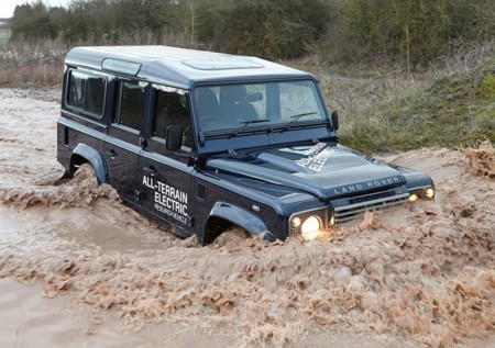 Land Rover Defender Electric Concept 2013 800x600 Wallpaper 07