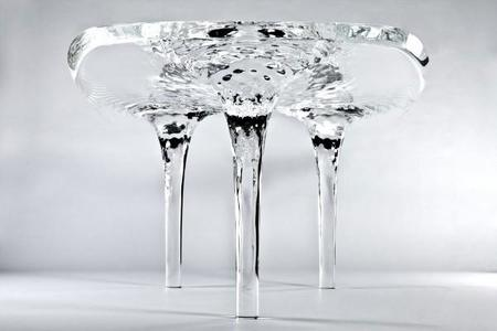 Zaha Hadid presenta la mesa Liquid Glacial Coffee Table