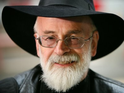 El añorado Terry Pratchett llega 'A todo vapor'