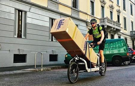 La entrega ecológica de los productos al vacío Tediber llegan a Madrid en bici-mensajería