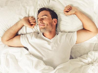 La falta de sueño te hace comer más (y peor)
