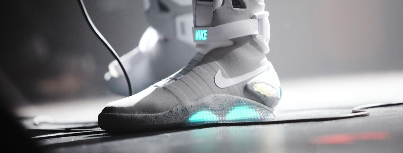 malicioso Ceder el paso Malversar  Las próximas zapatillas Nike que se atan solas se comprarán en 2019: más  baratas y para jugar a baloncesto