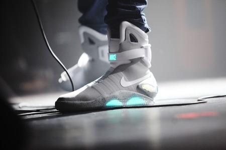 Las próximas zapatillas Nike que se atan solas se comprarán en 2019: más baratas y para jugar a baloncesto