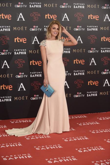4a97876b06 Pronovias pisa la alfombra roja de los Premios Goya 2016 de la mano de Amaia  Salamanca