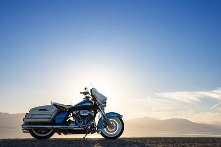 Harley-Davidson Electra Glide: la moto más clásica de Milwaukee es pura esencia custom, por 34.500 euros
