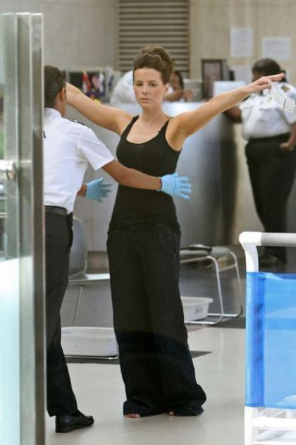 Kate Beckinsale no va armada