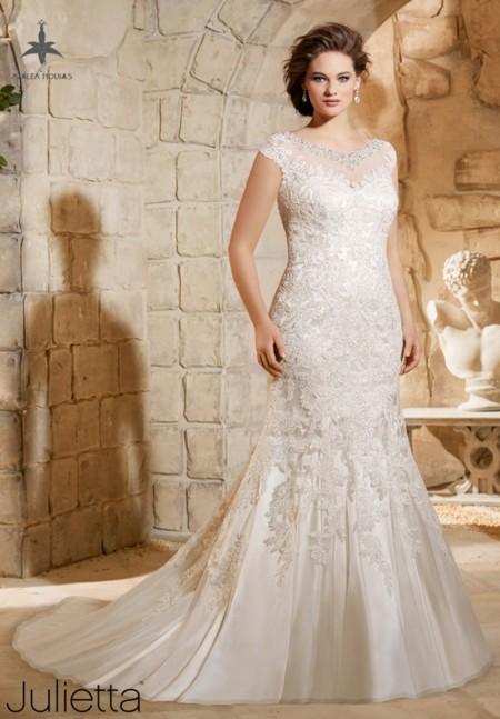 4c6240d8b4 Los 11 vestidos de novia que desearás lucir si eres una mujer curvy ...