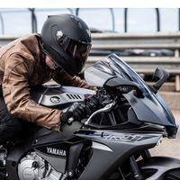 Los intercomunicadores en moto siguen en un limbo legal meses después de la promesa de la DGT