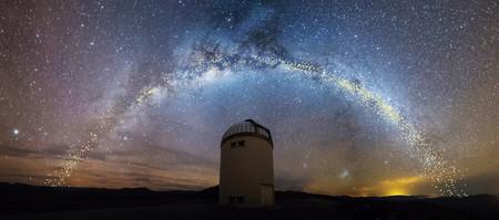 """Un nuevo mapa de la Vía Láctea revela su extraña estructura: """"una hamburguesa con demasiada lechuga"""""""