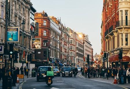 Casi 28 euros diarios por acceder al centro en coche: Londres activa el primer peaje urbano permanente