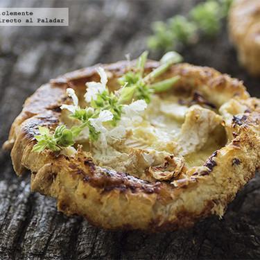 Minitartas tatin de manzana con Camembert: receta de aperitivo con aires franceses