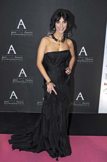 El look de Maribel Verdú al recibir la Medalla de Oro de la Academia de Cine