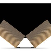 Un televisor OLED con altavoces que se despliegan como alas de mariposa: así es Beovision Harmony, lo nuevo de Bang & Olfusen