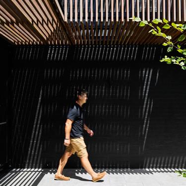 La preciosa rehabilitación de una casa de dos plantas en Australia, en la que el exterior importa tanto como el exterior
