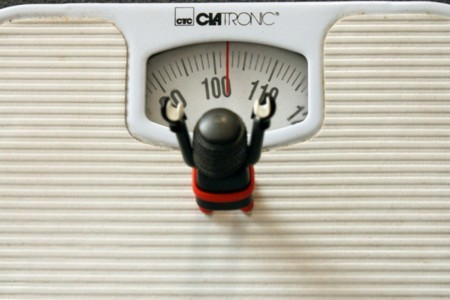 ¿Por qué perdemos más peso los primeros días de dieta?