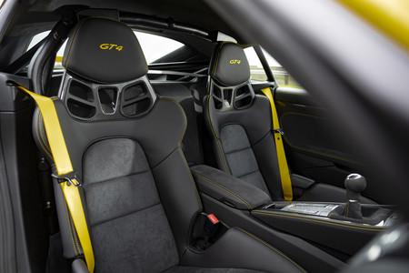 Porsche 718 Cayman GT4 asientos