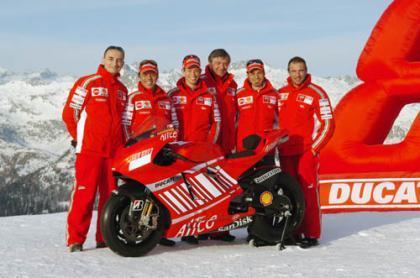 Presentación de la nueva Ducati GP8 en el Wrooom