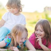 17 cuadernos de actividades Montessori para que los niños aprendan mientras se divierten, durante las vacaciones