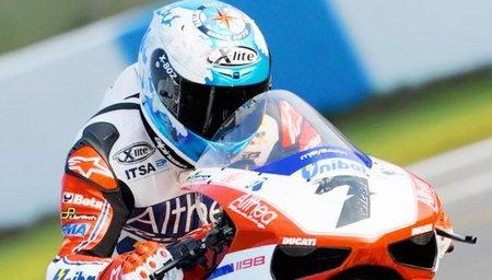 Superbikes Europa 2011: tercera victoria para Carlos Checa y gran carrera de Joan Lascorz