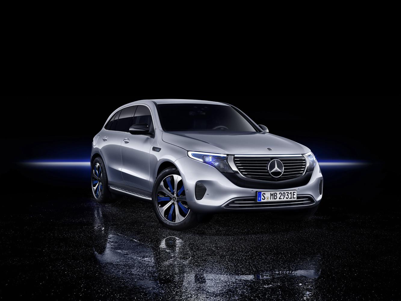 Foto de Mercedes-Benz EQC 2019 (62/74)