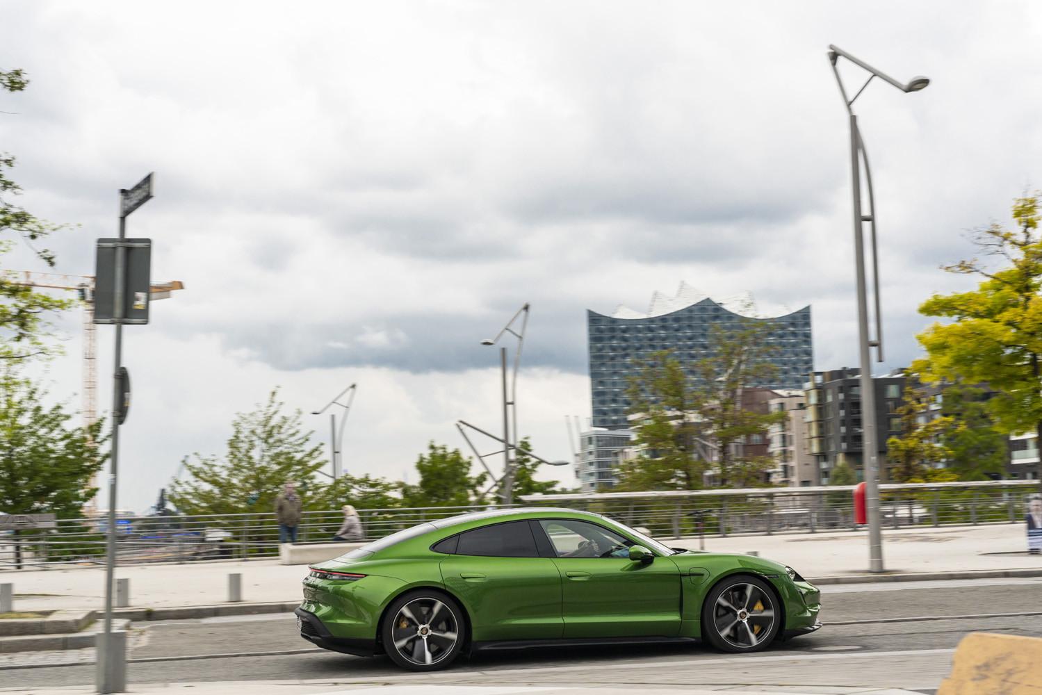 Foto de Porsche Taycan prueba contacto (216/275)