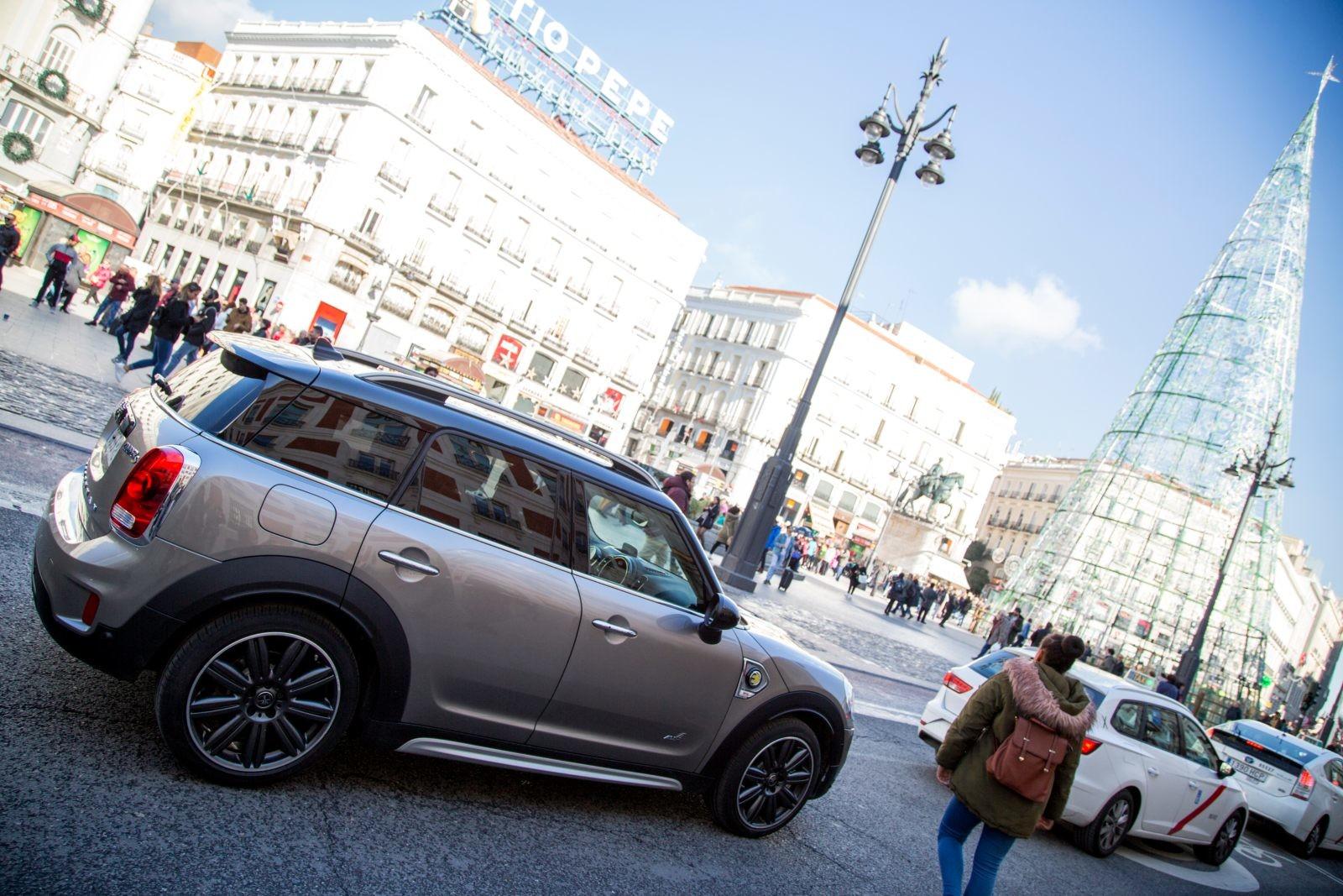 Foto de Madrid Central con el MINI Cooper S E Countryman All4 (12/20)