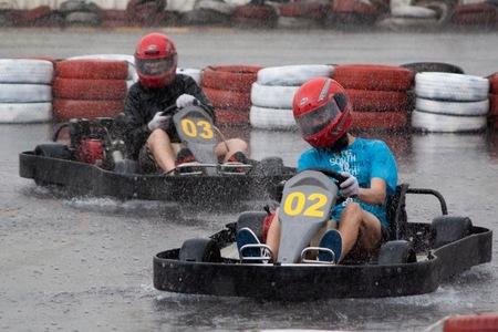 Kart bajo la lluvia