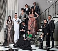 ¿Quién me felicita la navidad, la familia Kardashian o la familia Monster?