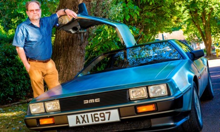 Multado por superar los 88 mph en un DeLorean, a lo 'Regreso al futuro'