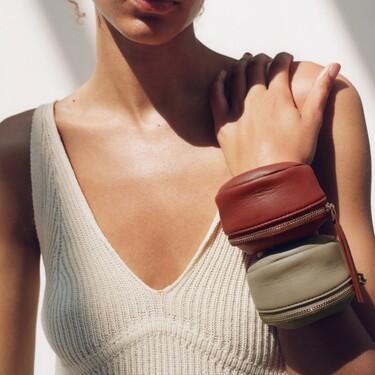 Clonados y pillados: la riñonera/brazalete de Givenchy ya se encuentra disponible en la nueva colección de Zara