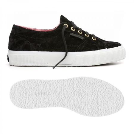 Por 19,99 euros tenemos estas  zapatillas Superga Scarpe ginnastica 2750 Velvet Piper en eBay con envío gratis
