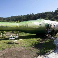 La botella de albariño más grande del mundo se convierte en una habitación de hotel