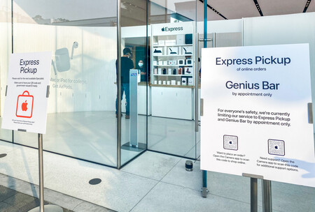 Apple Express Easels