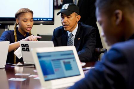 Así sí se promociona la programación: Obama escribe su primera línea de código