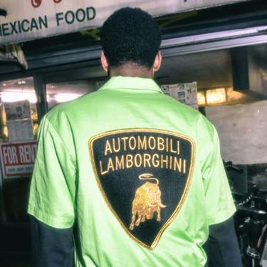Supreme y Lamborghini colaboran en la colección más colorida y retro que deseamos lucir en las calles