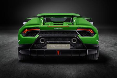 Lamborghini los prefiere híbridos y atmosféricos: lo del V8 turbo ha sido un lapsus