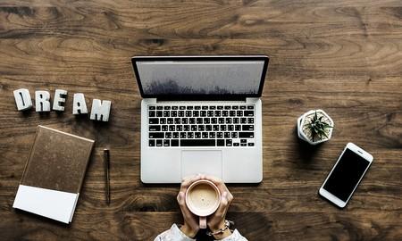 7 ideas para ocultar la zona de trabajo en casa como por arte de magia