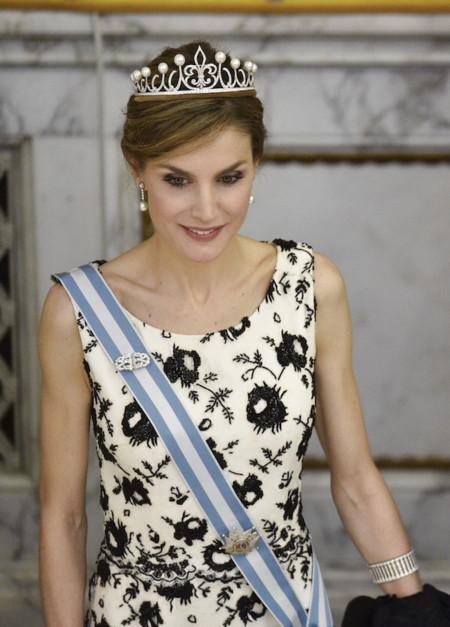 Doña Letizia con diadema Princesa