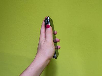 Emparejar nuestros dispositivos estaría literalmente en nuestras manos con una simple agitación