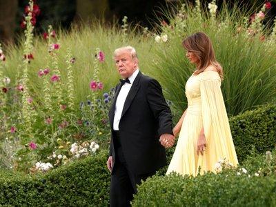 Melania Trump como una princesa de cuento en la cena de gala de Londres