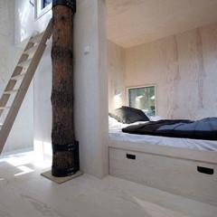 Foto 2 de 4 de la galería mirrorcube-vida-minimalista-en-la-copa-de-un-arbol en Decoesfera