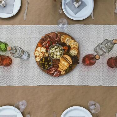 Funcionales y decorativos: siete caminos de mesa que harán destacar tus platos este otoño